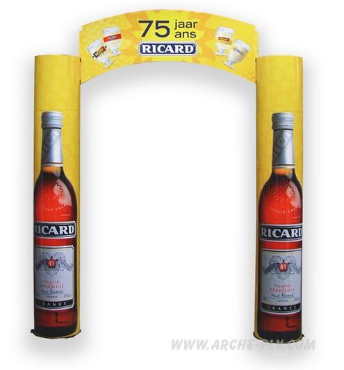 objet publicitaire - arches publicitaire avec colonnes en forme de bouteilles et fronton
